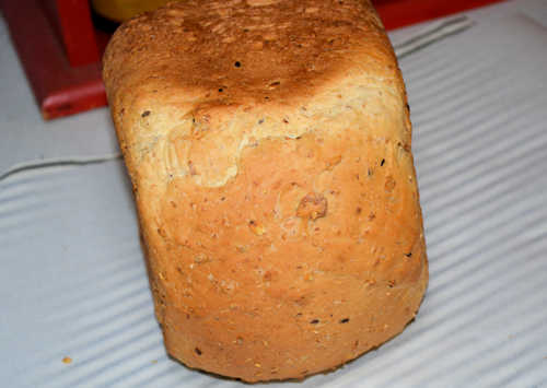 Bread Machine Bread with Cereal